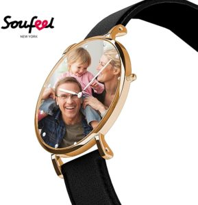 Foto Armbanduhr mit Goldrand